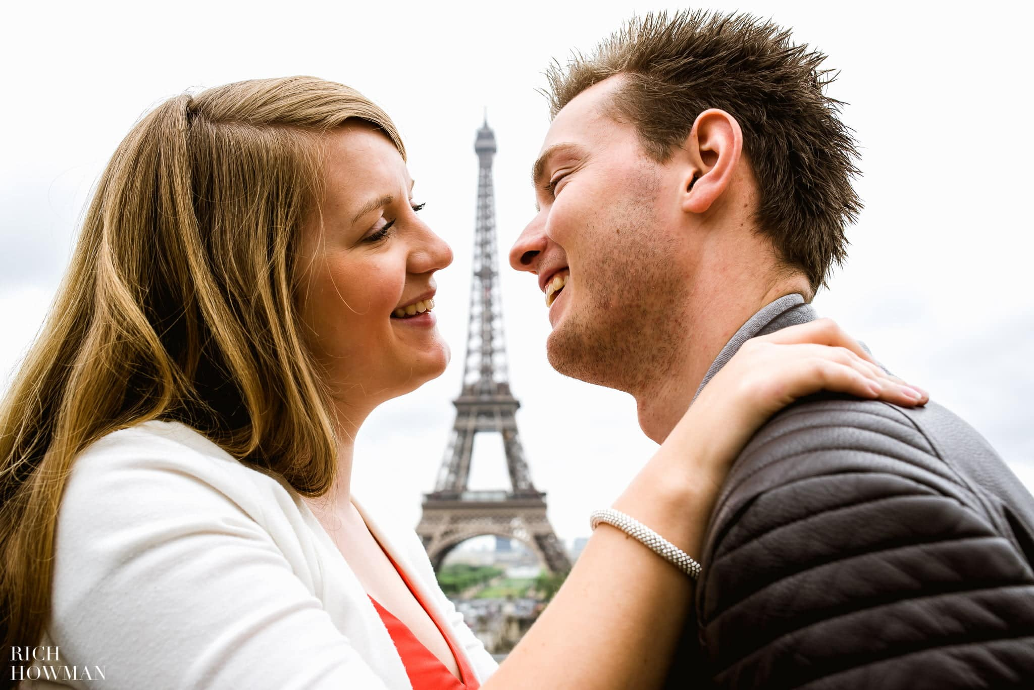Eiffel Tower engagment photo shoot