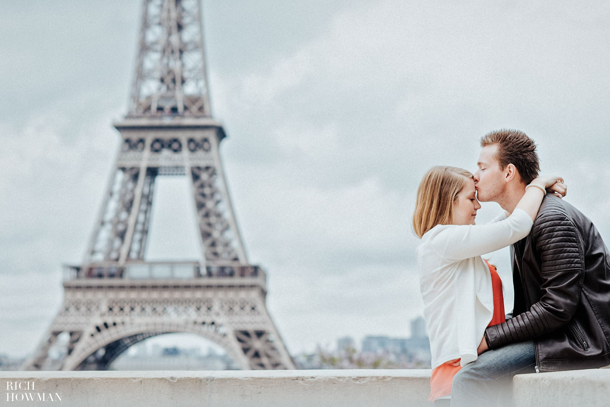 Eiffel Tower pre wedding photo shoot