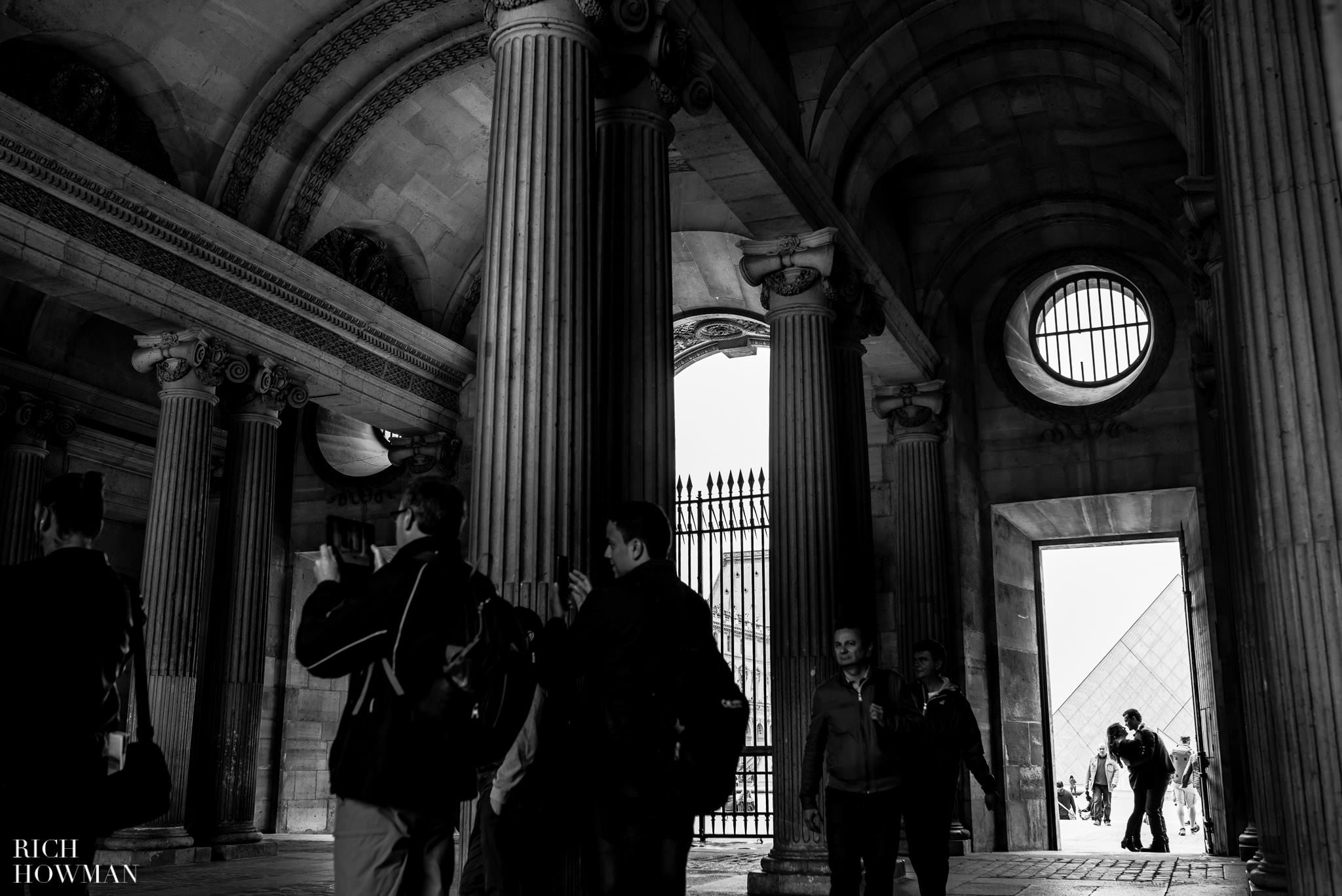 Black and white photography in Paris at La Louvre