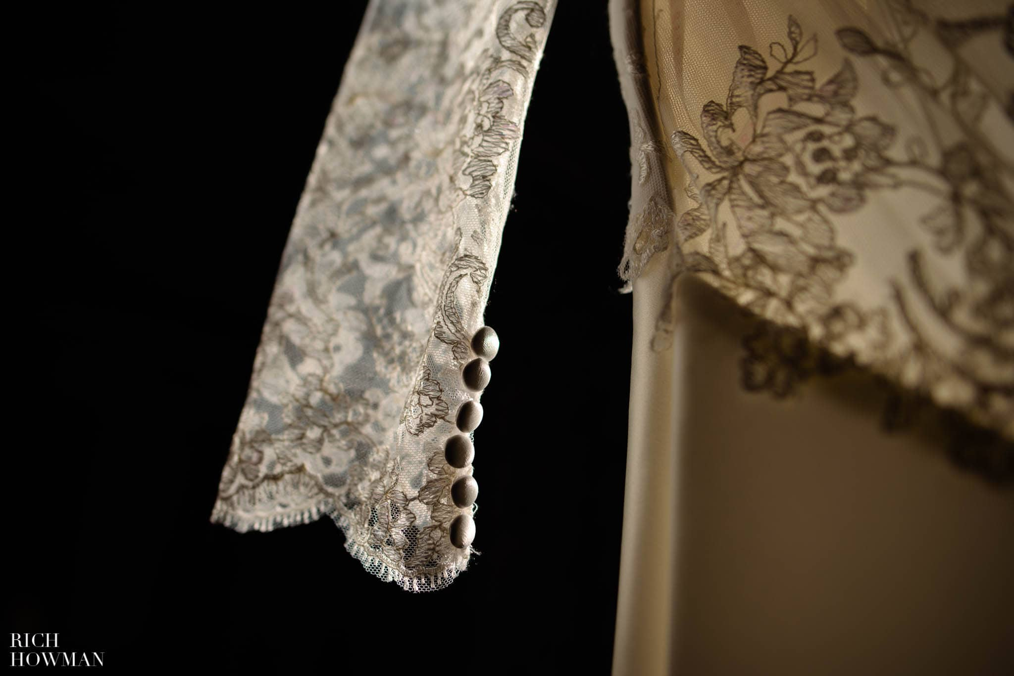 Sleeve detail of a wedding dress