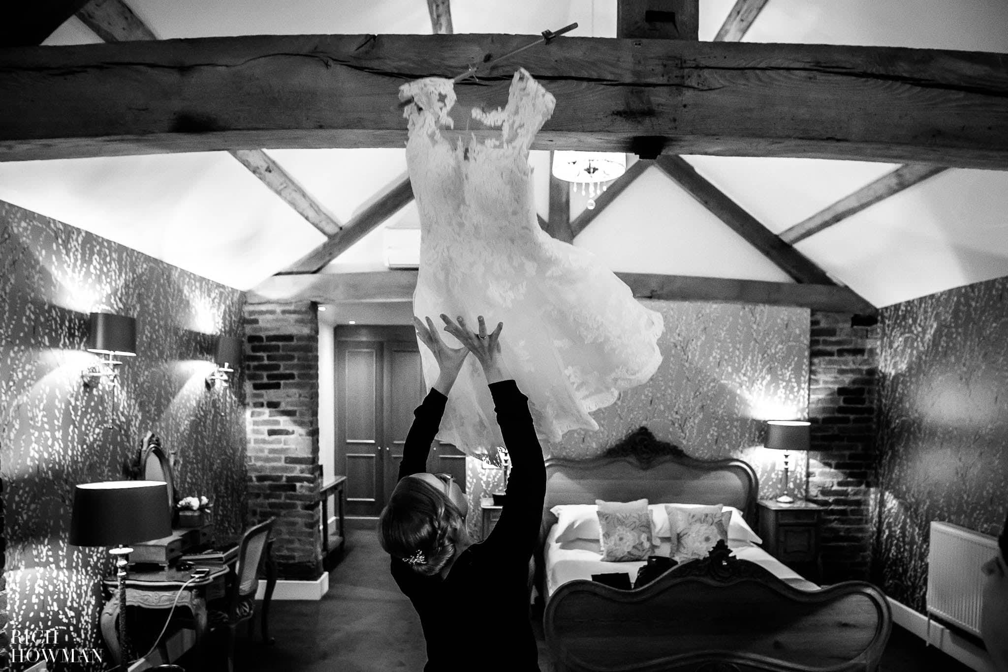 Mythe Barn Wedding Photographer Leicestershire 24