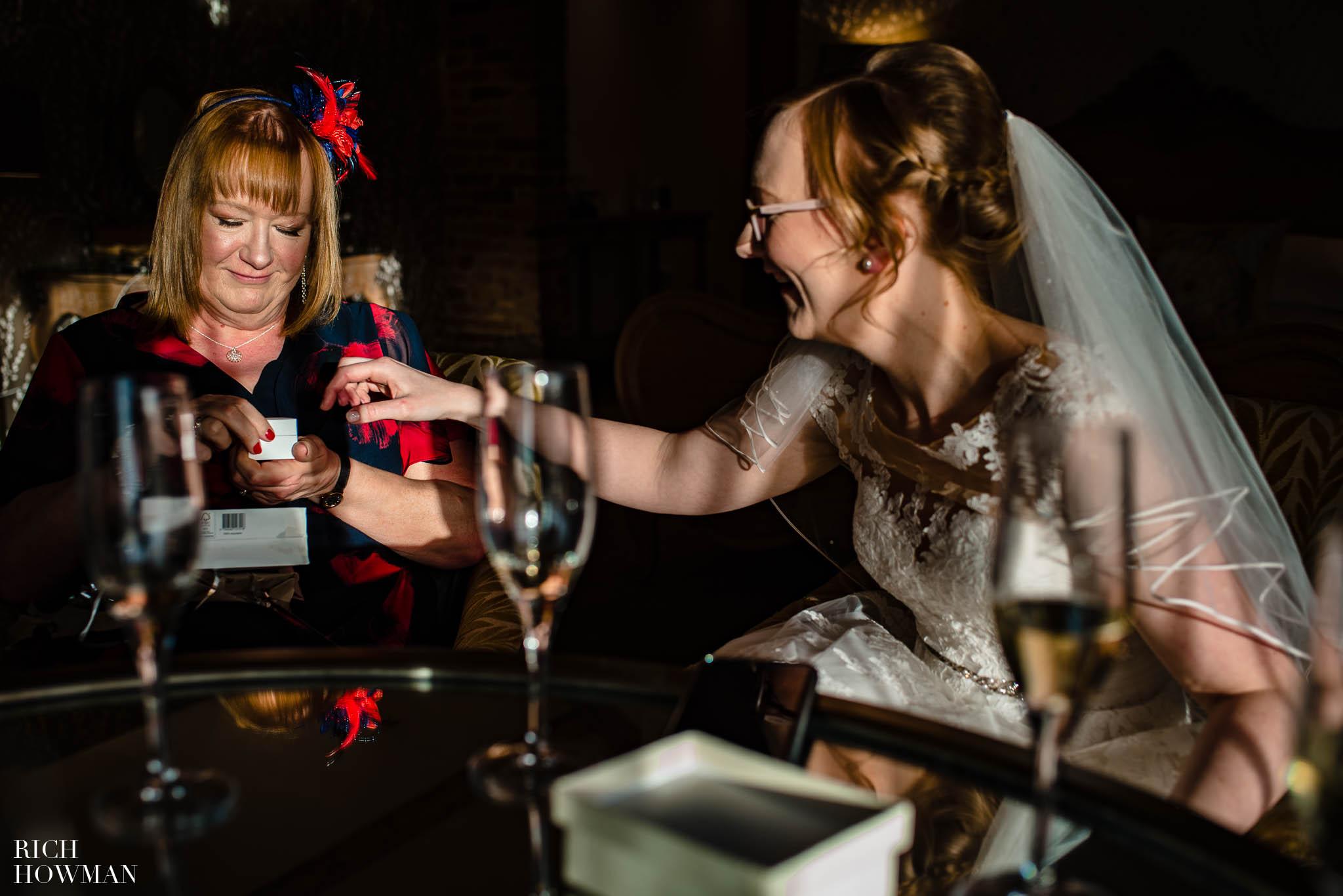 Mythe Barn Wedding Photographer Leicestershire 44