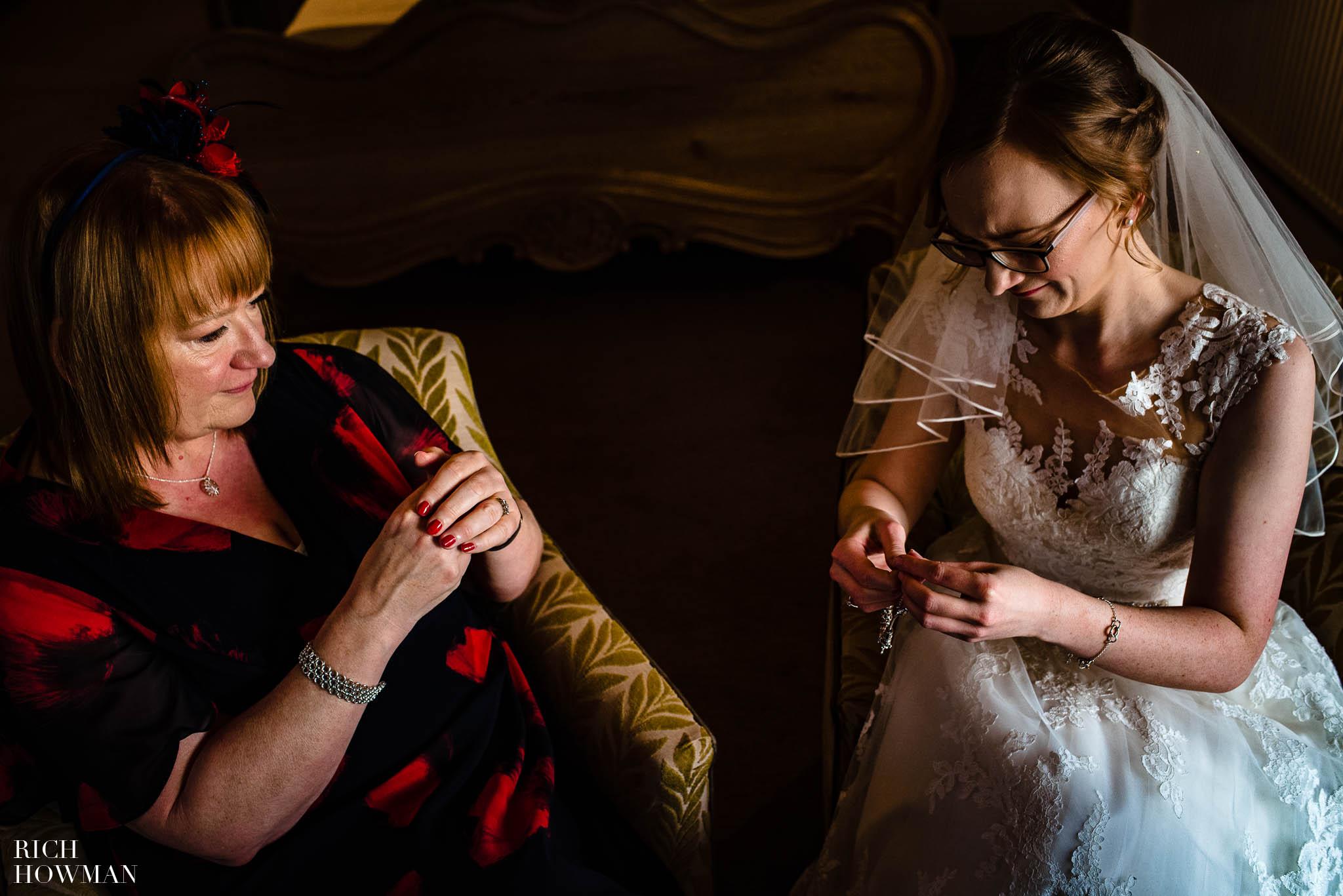 Mythe Barn Wedding Photographer Leicestershire 46