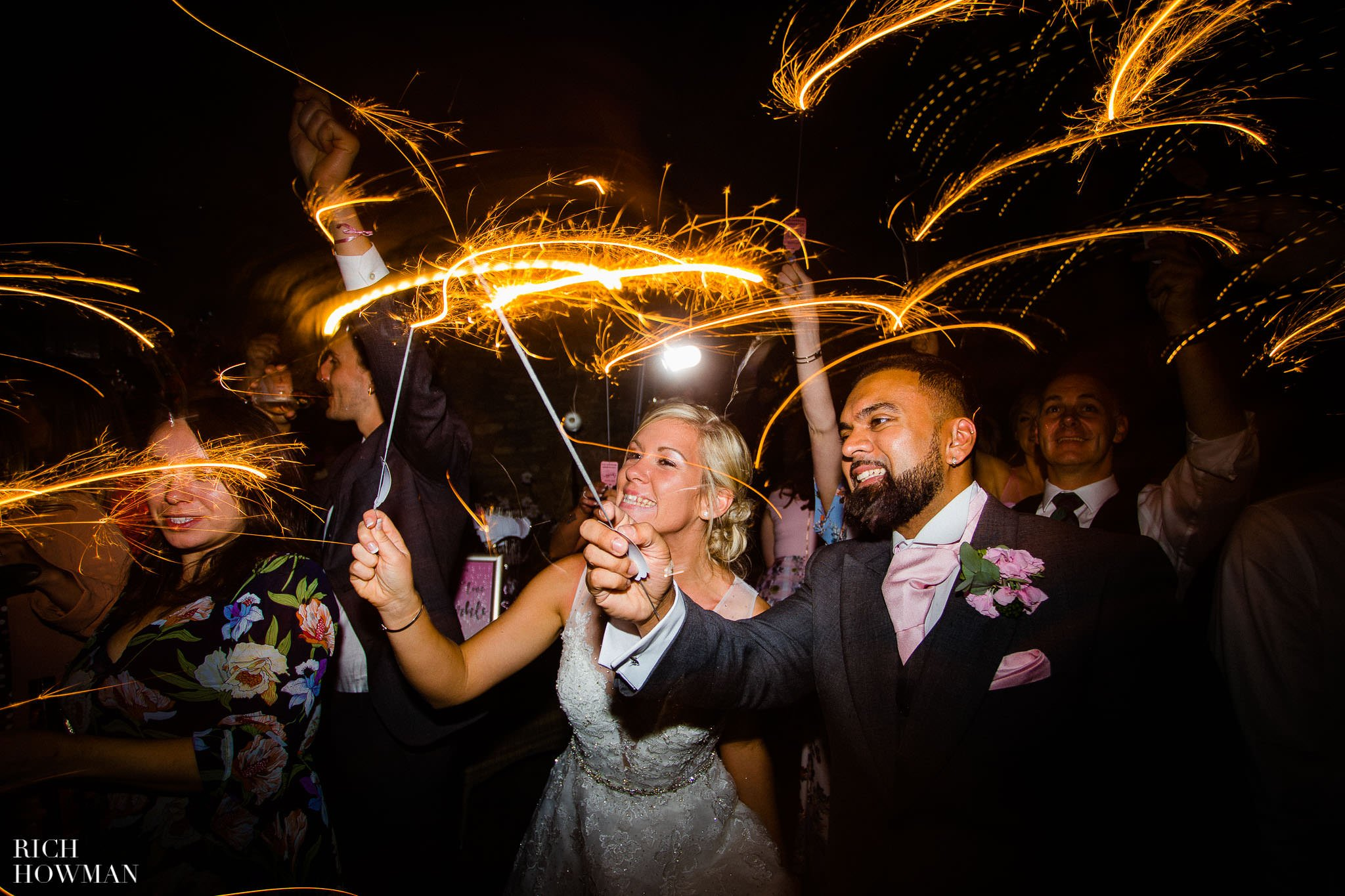 Wedding Photographers in Oxfordshire | Wedding Photographers Witney 131
