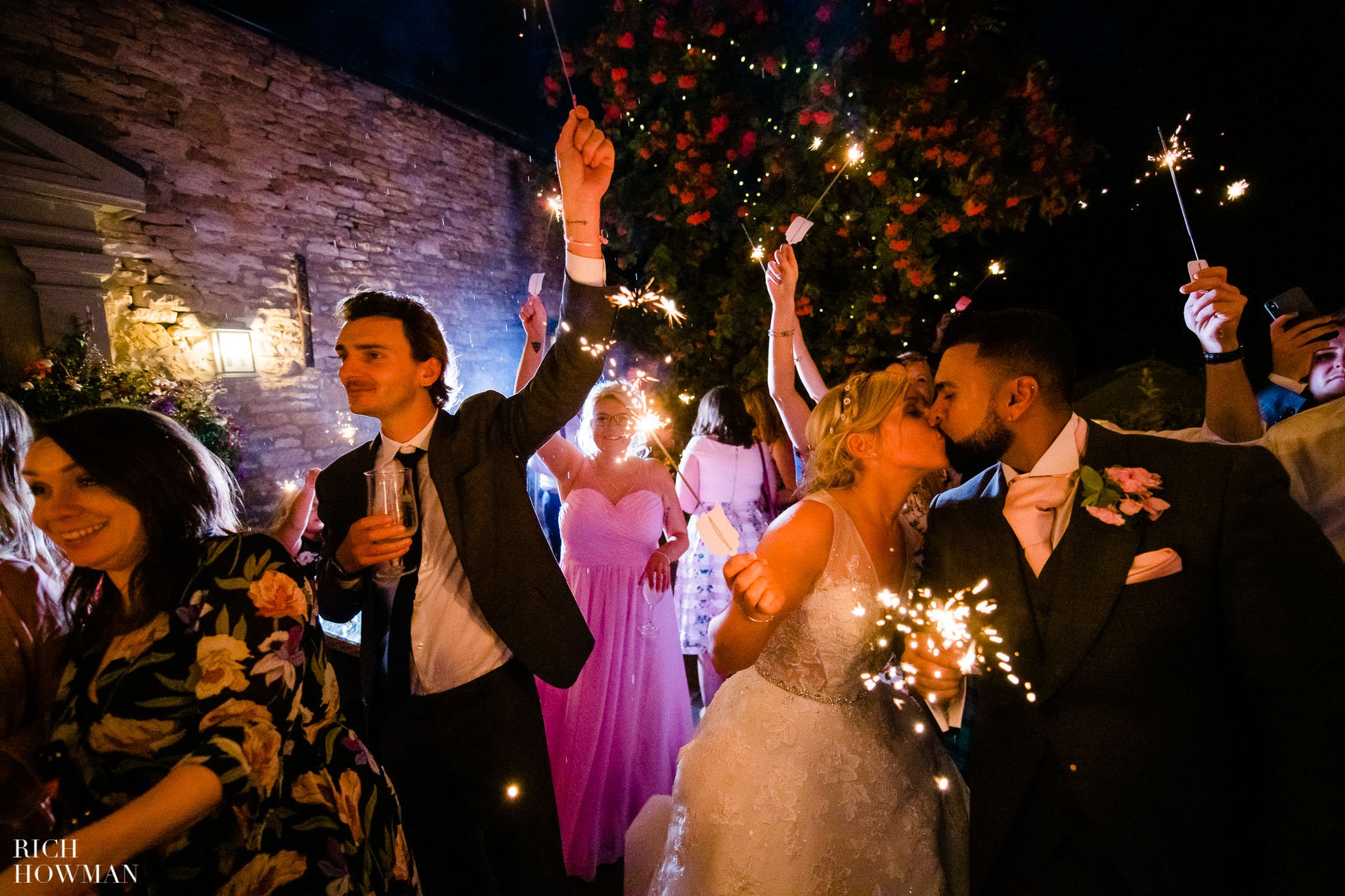 Wedding Photographers in Oxfordshire | Wedding Photographers Witney 132