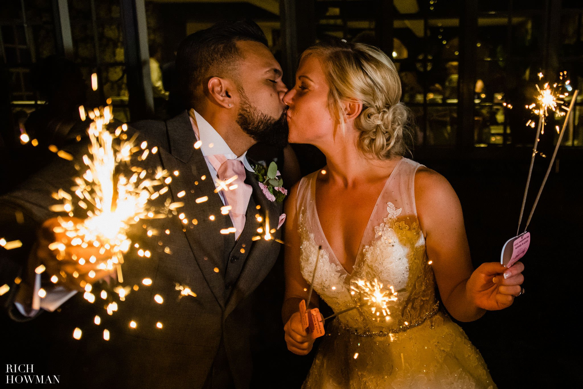 Wedding Photographers in Oxfordshire | Wedding Photographers Witney 135