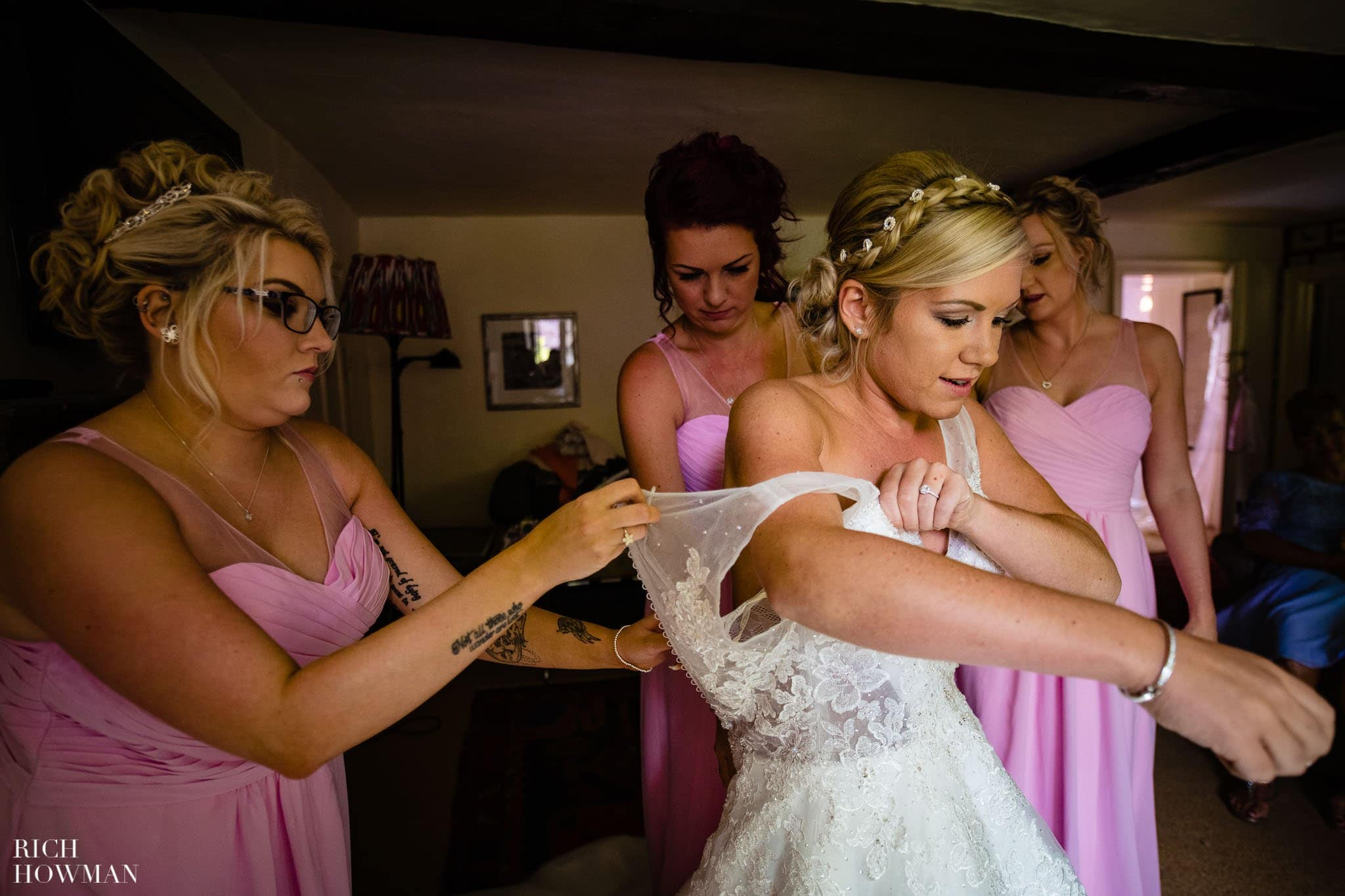 Wedding Photographers in Oxfordshire | Wedding Photographers Witney 23