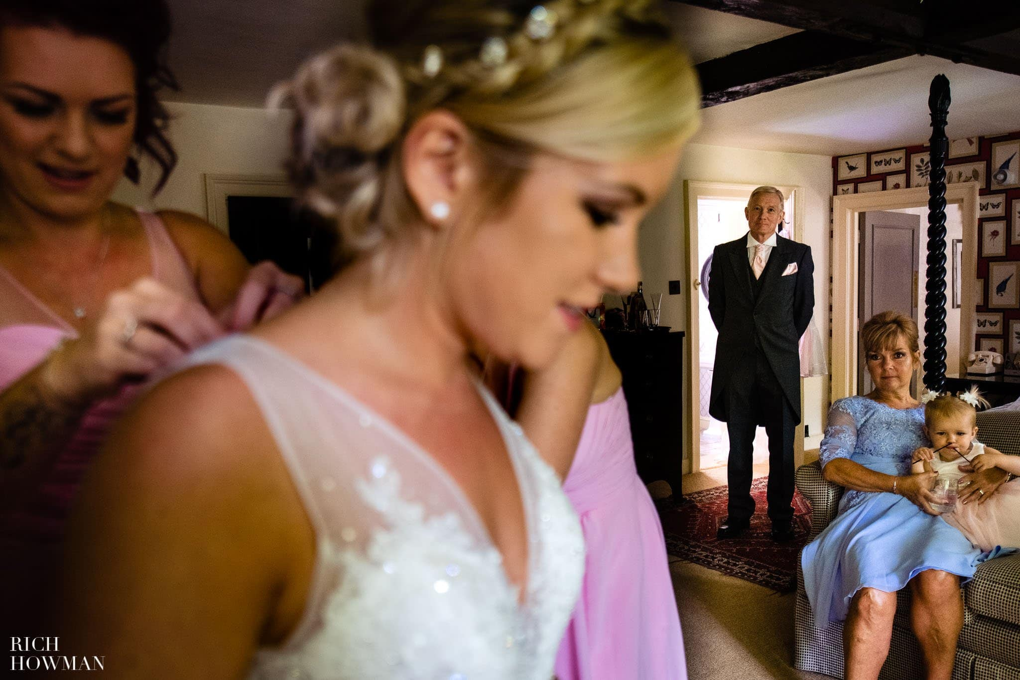 Wedding Photographers in Oxfordshire | Wedding Photographers Witney 25