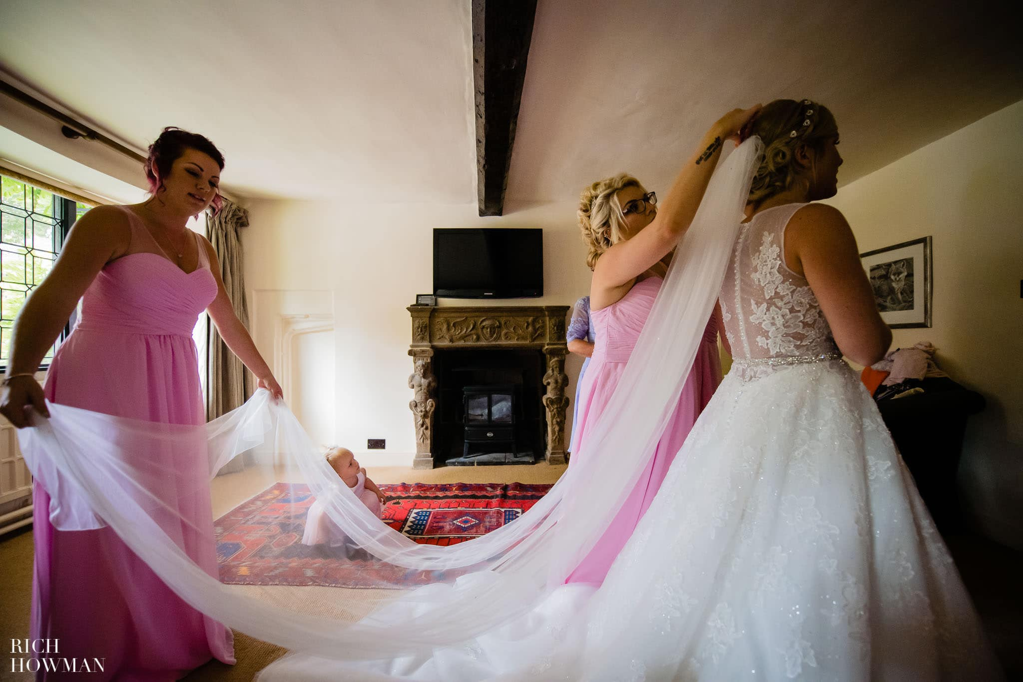 Wedding Photographers in Oxfordshire | Wedding Photographers Witney 29