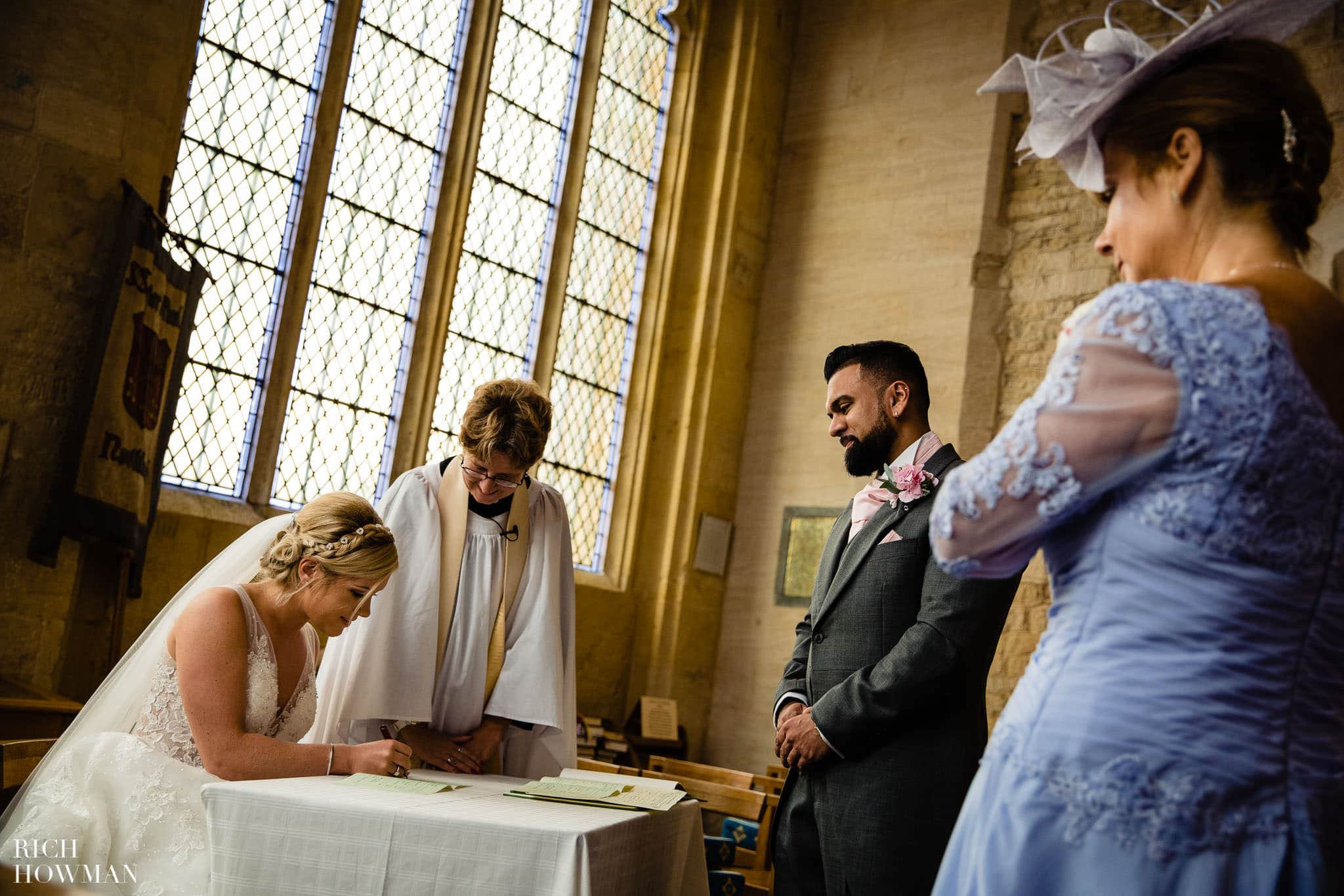 Wedding Photographers in Oxfordshire | Wedding Photographers Witney 49