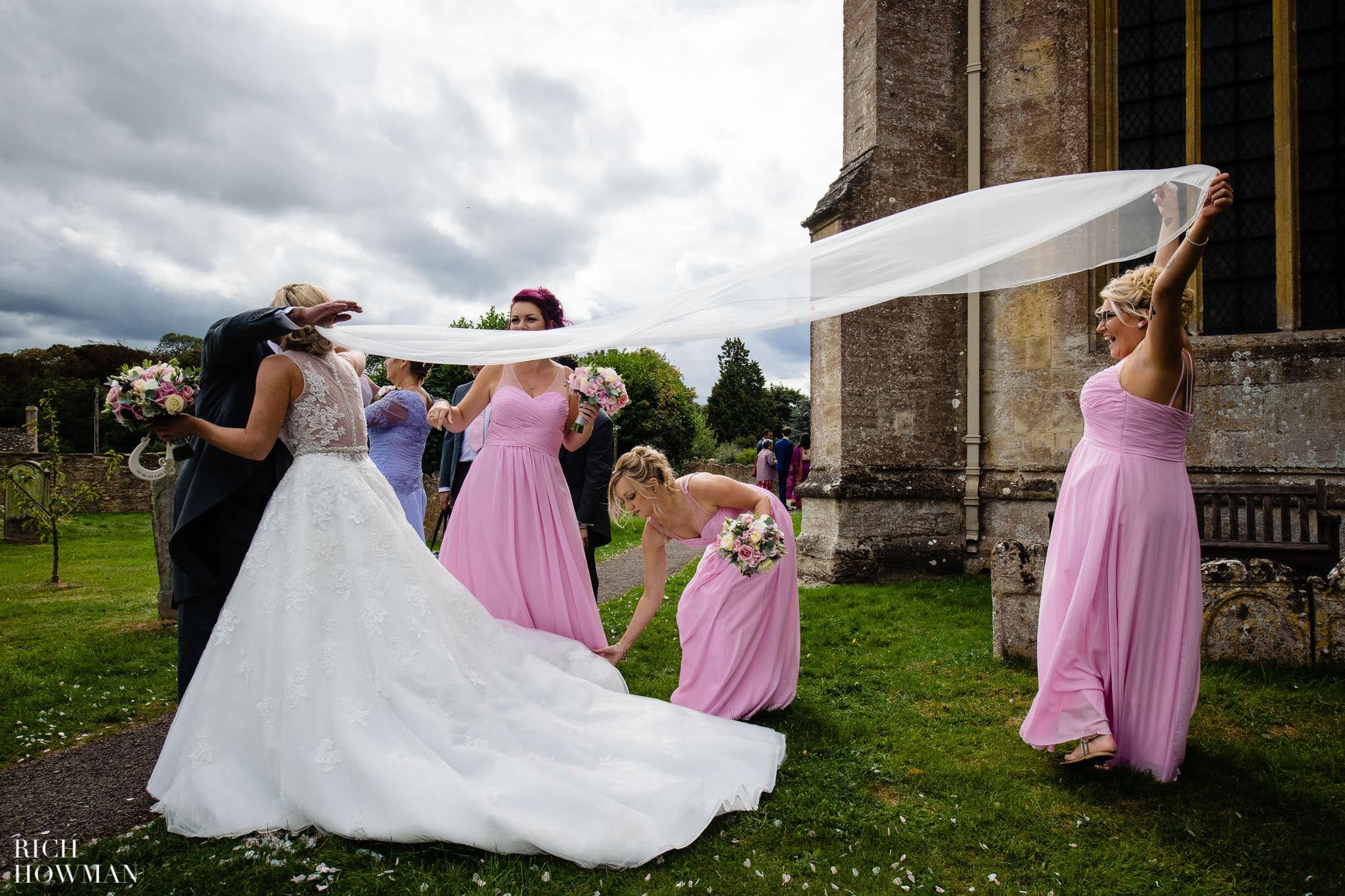 Wedding Photographers in Oxfordshire | Wedding Photographers Witney 60