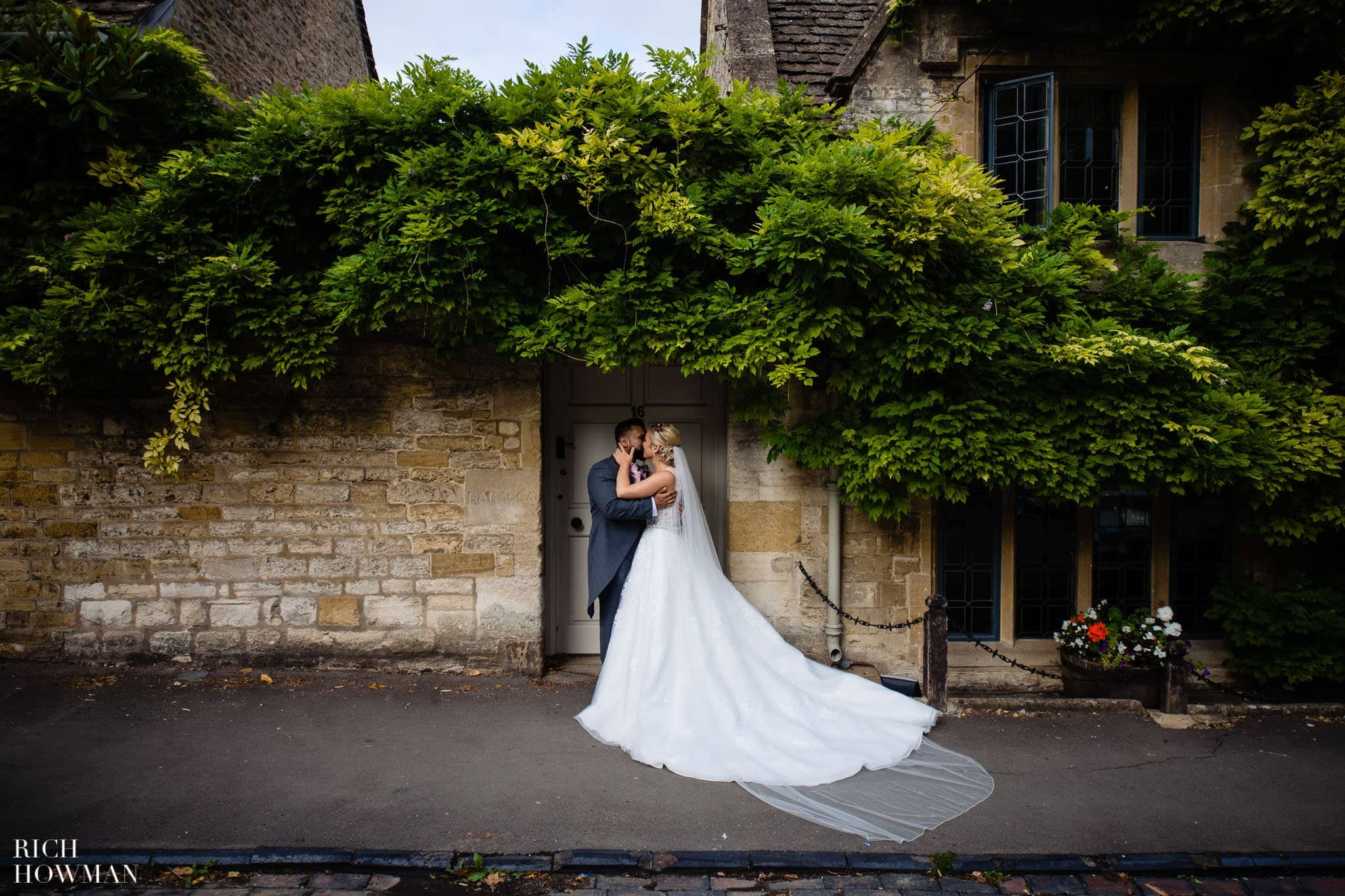 Wedding Photographers in Oxfordshire | Wedding Photographers Witney 76